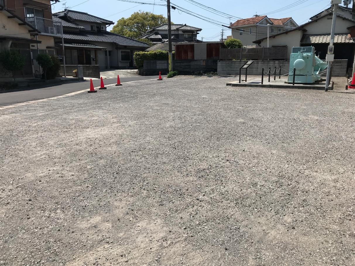 遠賀川水源地ポンプ室の駐車場