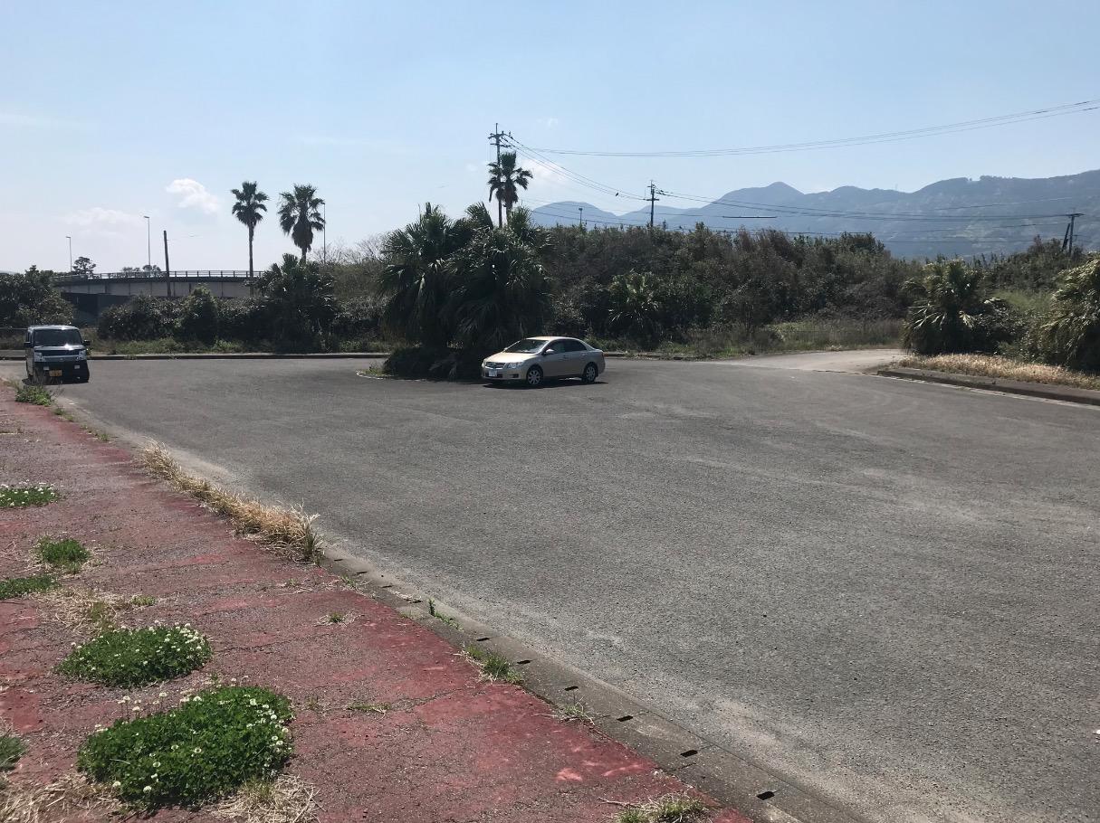 伊万里湾大橋が見える駐車場