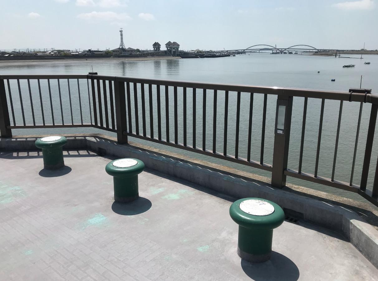筑後川昇開橋のベンチ