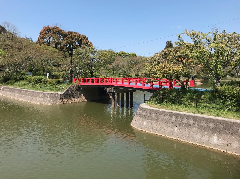 甘木公園の赤い橋