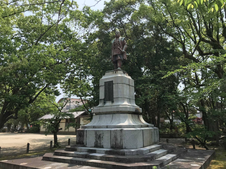 水天宮(久留米市)眞木和泉守の銅像
