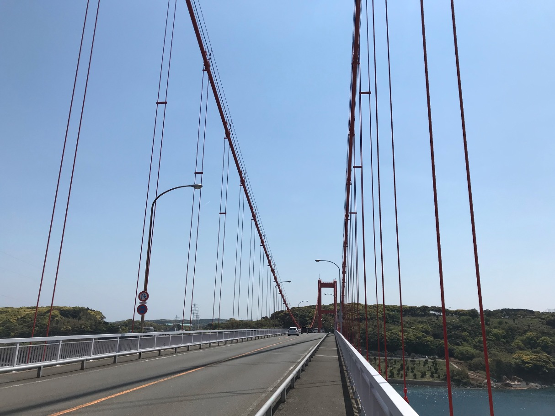 ワイヤーのリズムが美しい平戸大橋