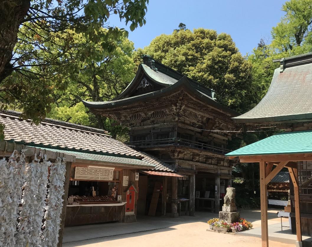櫻井神社の境内