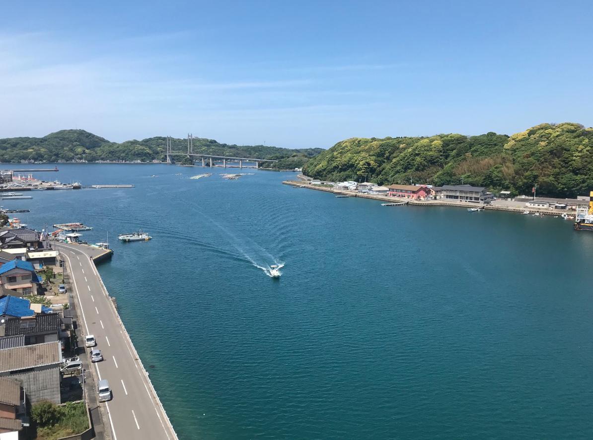 遠方から見た呼子大橋(唐津市・佐賀)