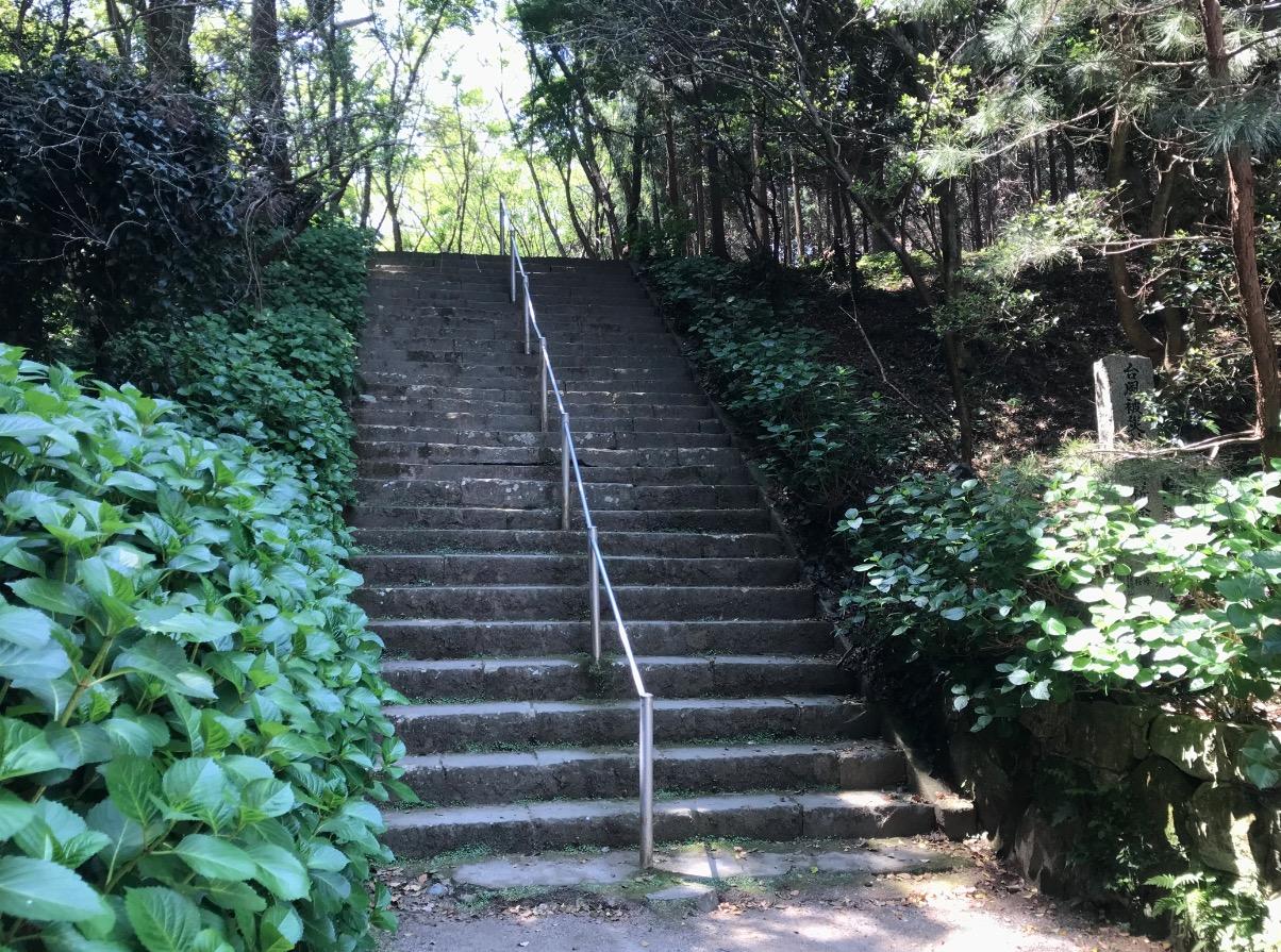 櫻井大神宮へ向かう階段