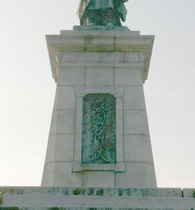 亀山上皇銅像