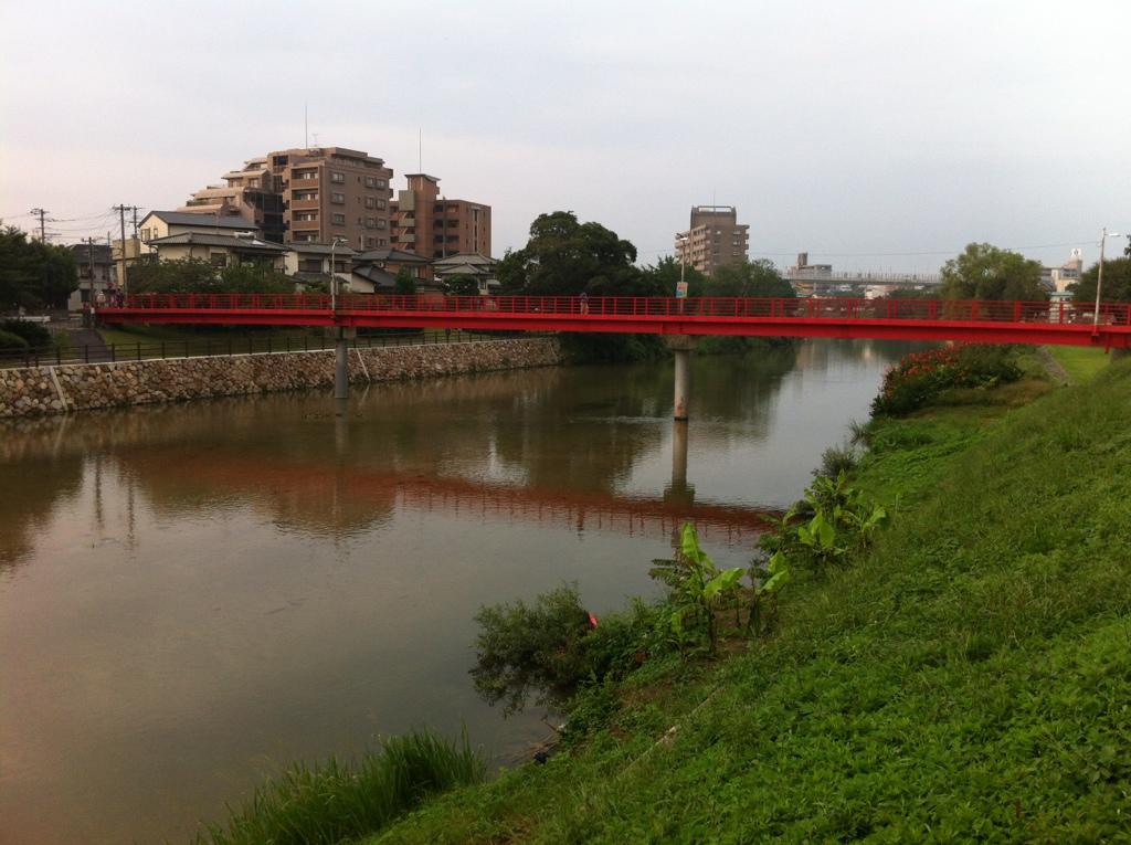 人々を育む小さな橋:的場橋