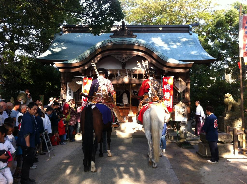 季節を送る現人の蹄音:現人神社の流鏑馬
