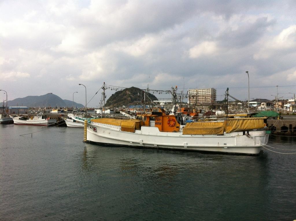おいしいところに歴史あり(?):鐘崎漁港