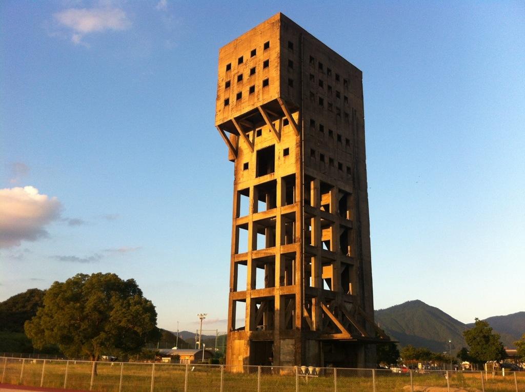 希望の支柱・鎮魂のいしぶみ:志免鉱業所跡・2(竪坑櫓)