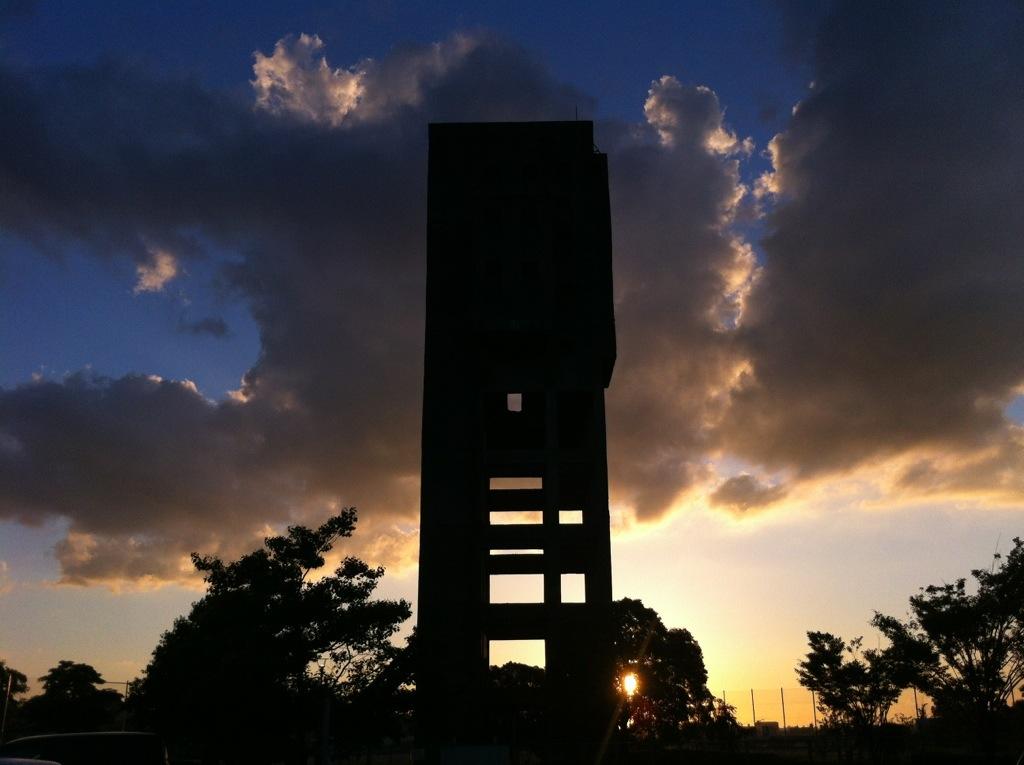 記憶を覆う夜とばり:志免鉱業所跡・3(竪坑櫓)