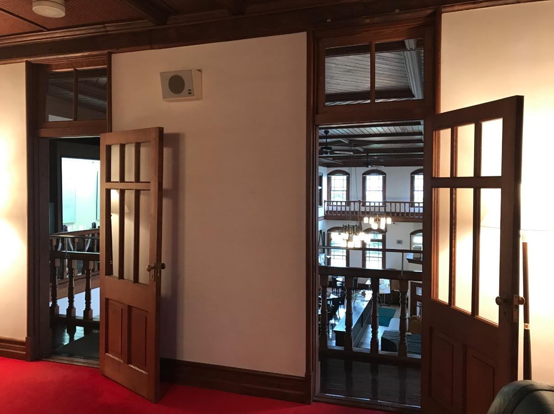 旧古賀銀行の内部