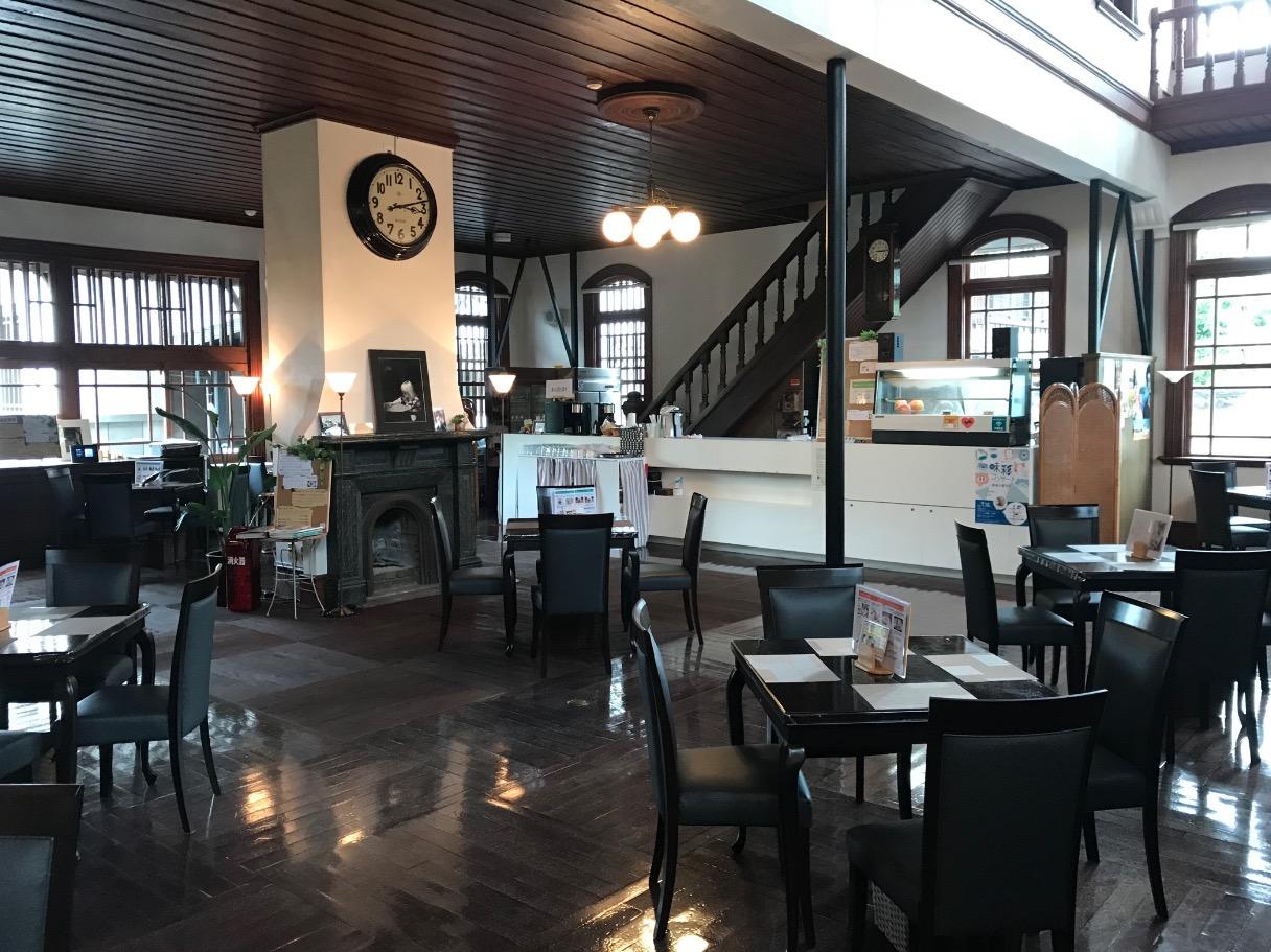 旧古賀銀行のカフェ
