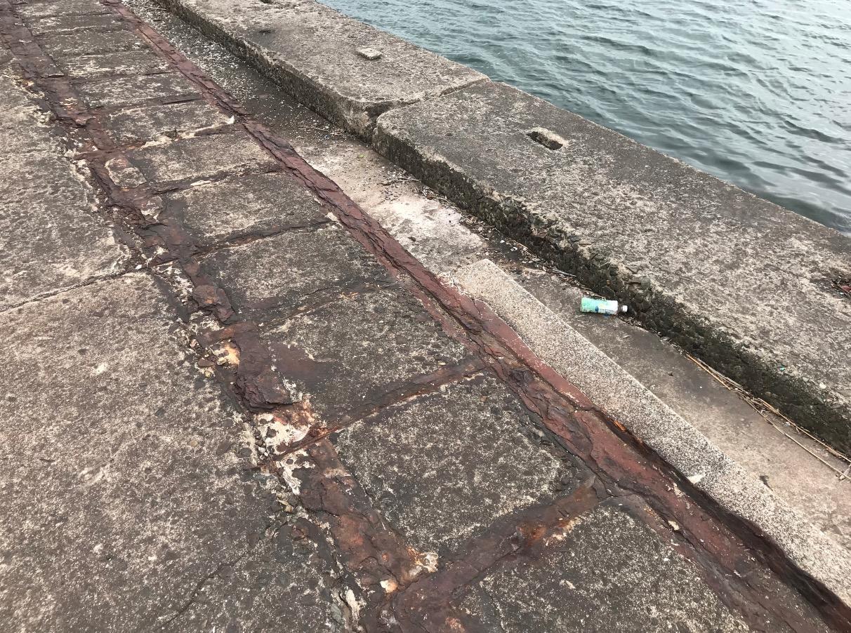 軍艦防波堤(北九州市)の舷側部