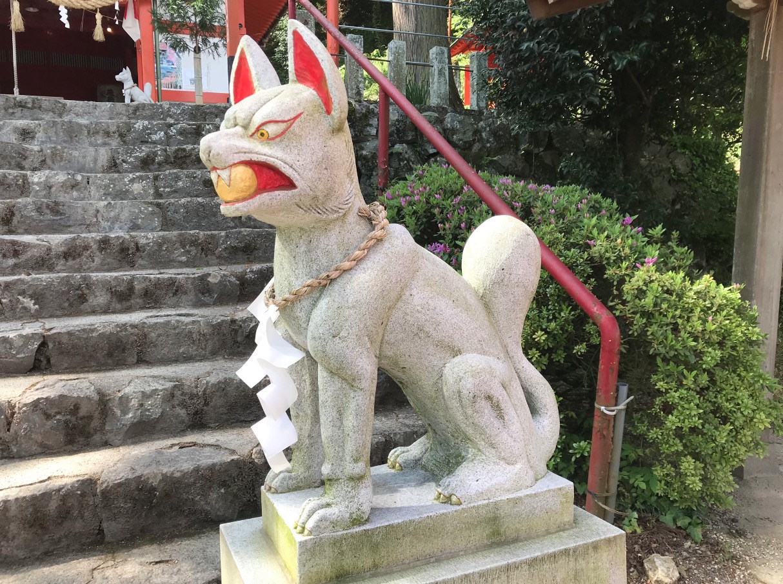 浮羽稲荷神社の狛狐