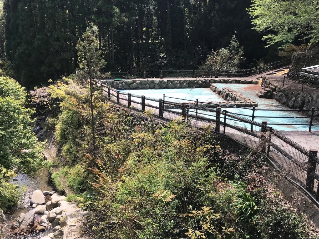 調音の滝に隣接するプール
