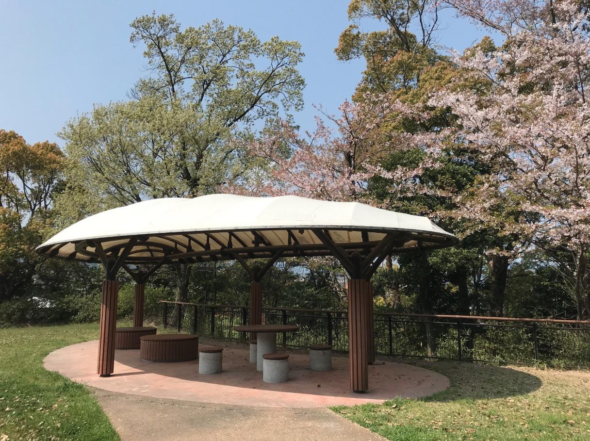 日の浦池公園のあずま屋(大野城市)