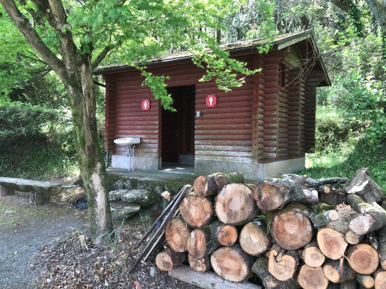 浮羽稲荷神社のトイレ