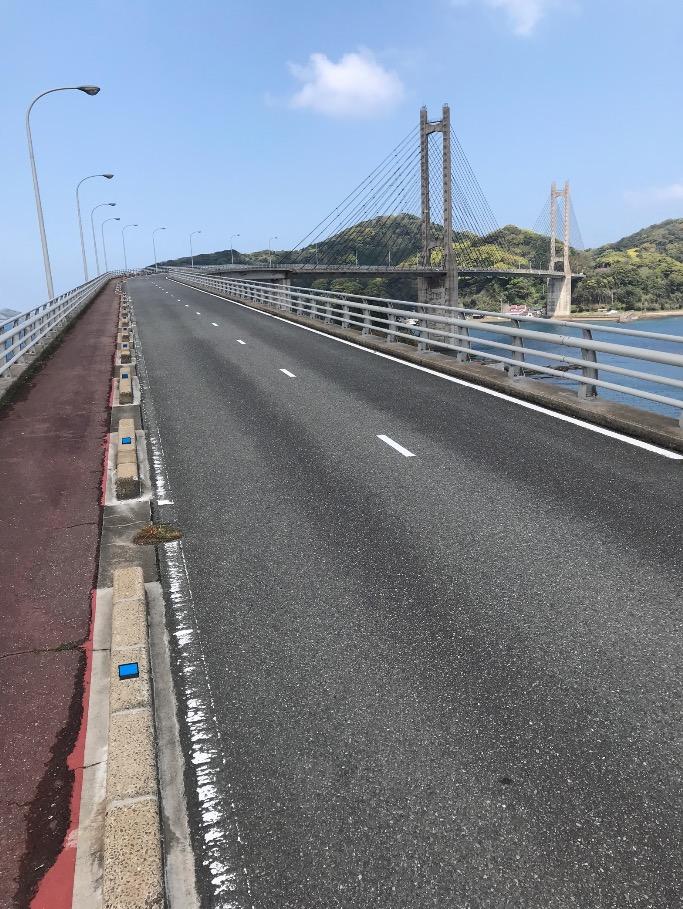 呼子大橋をたもとから見る