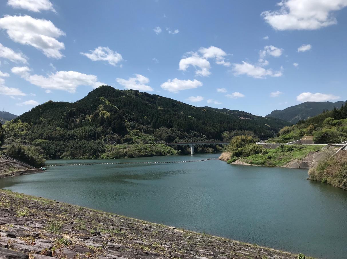 藤波ダムのダム湖