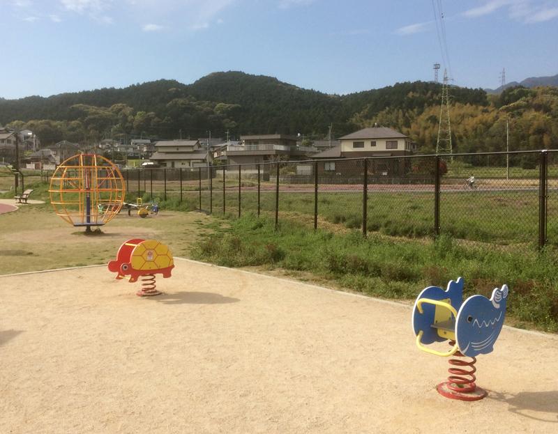 裂田溝公園(那珂川市)の子ども用遊具